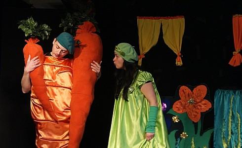 Zarzecze | 25 października, godz. 17.00 Witajcie w krainie Grządkowej, w której dwójka warzywnych skrzatów Karotek i Groszka, uwielbia uprawiać warzywa i owoce. Pewnego dnia Czarodziej Robaczek rzucił straszliwą klątwę […]